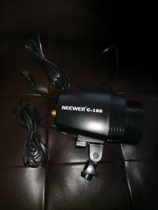Neewer c-180 Strobe Flash for cameras