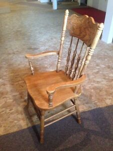 Four Country Style Arm Chairs Windsor Region Ontario image 2