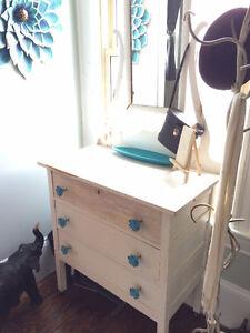 Antique Dresser w/Mirror - Located in Woodstock