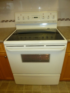Frigidaire Stove with oven