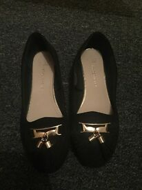Size 4 flat shoes