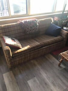 Original Retro Couch - Pull Out Bed