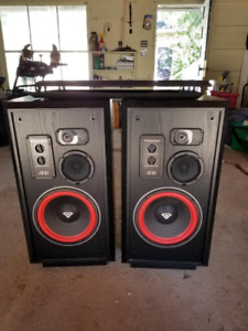 Cerwin Vega AT-10 Speakers