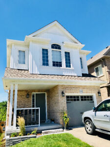 Detached 4bdrm Walkout Home with Finished Basement Granny Suite