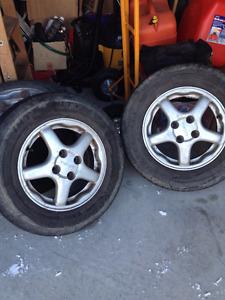 Mag Acura 14 pouces avec pneus d'été. 125$ ferme