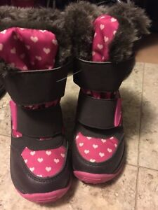 New Girls size 7 winter boots