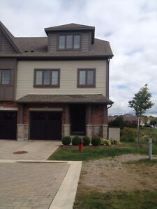 IMMACULATE 2 STOREY 3 BR LUXURY TOWNHOUSE END UNIT IN GUELPH
