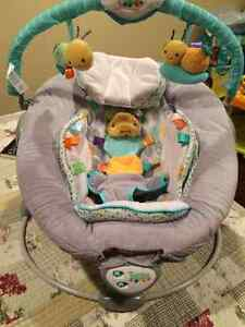 Soothe Me Softly Bouncing Chair**Mint Condition***