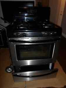 Frigidaire Gas Oven Stove Range - 30 inches - Great Condition Kitchener / Waterloo Kitchener Area image 4