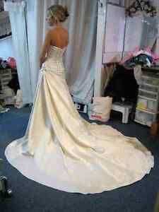 WEDDING DRESS ALTERATIONS - CUSTOM SEWING GREENBANK Peterborough Peterborough Area image 5