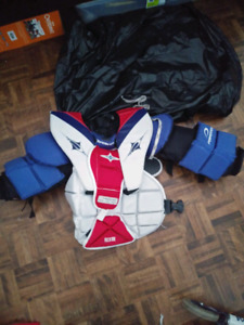Road hockey chest protector