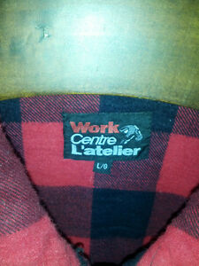 LARGE INSULATED WORK VEST. IN EXCELLENT CONDITION. Sarnia Sarnia Area image 2
