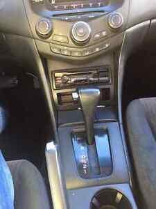 2004 Honda Accord 4 cylinder Sedan Peterborough Peterborough Area image 9