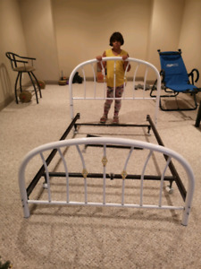Double bead frame with headboard and footboard