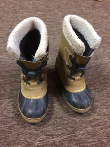 Boys size 3 Sorel PU Leather Winter Boots