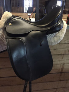 17 Exselle Dressage Saddle & Anatomic Bridle Kitchener / Waterloo Kitchener Area image 1