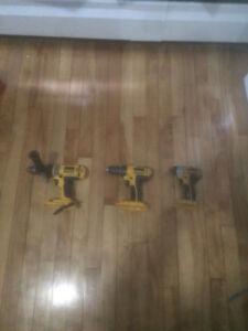 3 Dewalt drills 90$