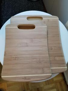 2 planches a découper neuve en Bamboo, 9 x 11 et 11 x 13.