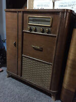 Rogers Majestic Electric Floor Model Radio/Record Player