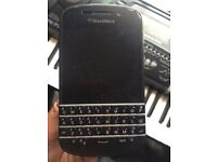 ** BLACKBERRY Q10 ** UNLOCKED