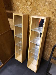 Shelves With Mirror Backs