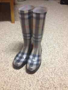 Burberry boots London Ontario image 2