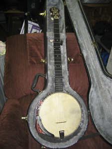 120-year-old S.S. Stewart banjo, and hard case
