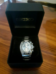 Montre analogique Seiko    /    Seiko analog watch