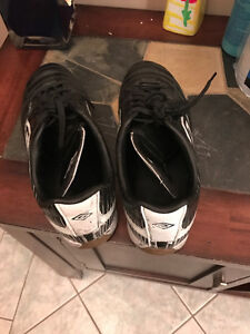 Indoor Soccer Shoes Kitchener / Waterloo Kitchener Area image 1