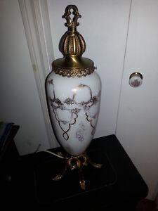 Lampe de Table Art Déco nouveau prix 25,00$