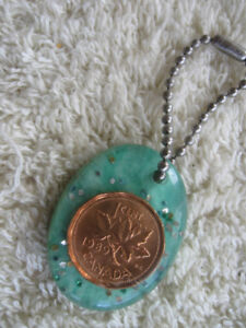 A 1989 MEANINGFUL COPPER PENNY COLLECTIBLE KEY RING