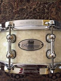 Pearl Reference Pure 14 x 5 snare in Ivory Pearl finish