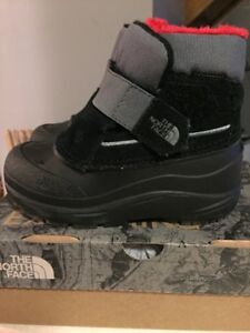 The North Face toddler boots size 9