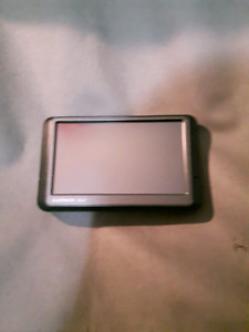 Garmin Nuvi Bluetooth Gps Navigator With Carrying Case+Charger