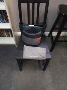 Phil & Teds Wriggle Wrapper Baby Chair Feeder