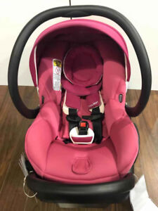 Maxi Cosi Mico Max 30 car seat - Pinkberry (Floormodel) Reg:$380