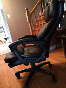 Very comfy Office chair (need to be gone by Sunday!) St. John's Newfoundland image 2