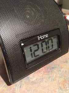 iPhone / iPod iHome Speaker Alarm Docking Station for Like New