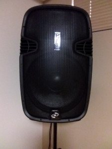 "PYLE 15""  1500 Watt Powered PA Speaker with Accessories"