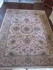 Elegant carpet/Tapis Excellent etat!