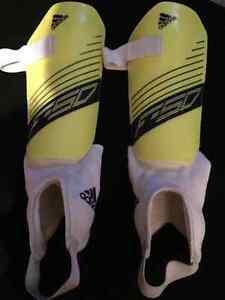 Protège-tibias Adidas large junior 14-16 ans