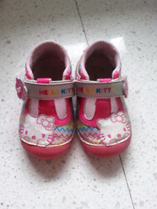 Stride Rite Hello Kitty Shoes Size 5