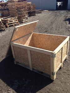 wooden boxes/crates w lid