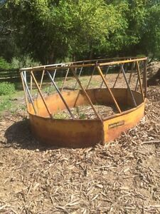 Round bale steel rack for cows $150