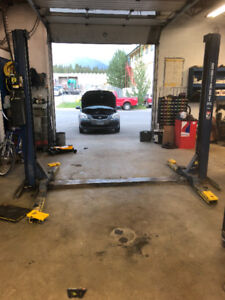 Car Lift ROTARY 7000lbs 2 Post, Auto Hoist, 2 Post Lift