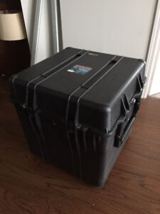 Pelican cube case 0370 brand new unused foam