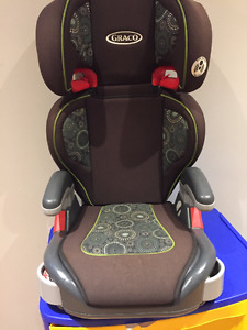 banc d'auto : booster seat : siege d'appoint Graco 40-100 lbs