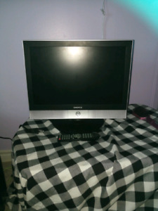 16 inch tv/built in dvd player