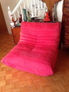 Gros Fauteuil Look Retro TOGO Super Confortable