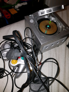 Game cube with game
